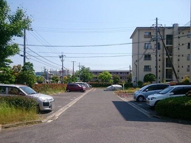 3.ご利用駐車場の写真です。ご予約時のスペースに駐車してください。