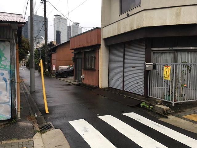 1.環状線の「ほのか小学校東」の次の通りを左折してください。