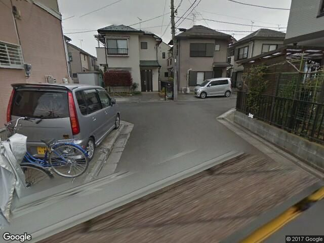 道順5. T字路を右折後すぐにakippa駐車場がございます