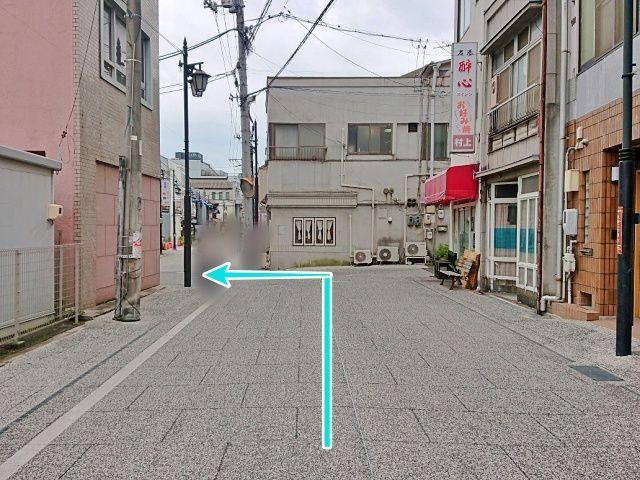 東尾道駅方面から見た駐車場入口
