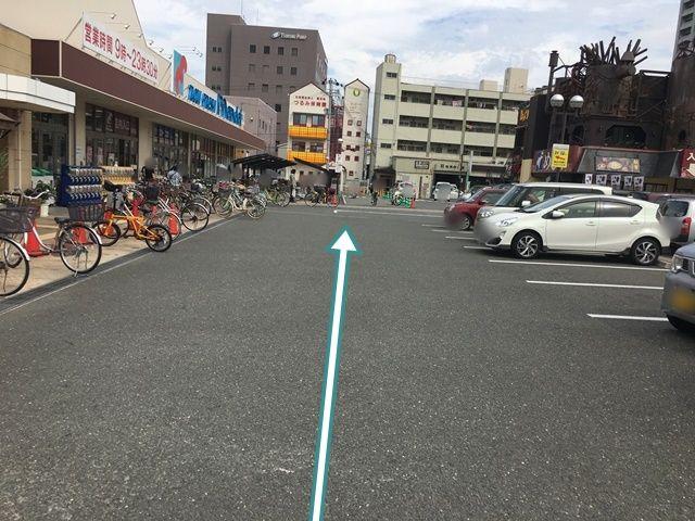 【駐車場内順路1】