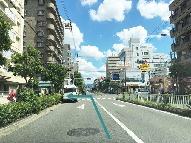 【道順1】府道173号線を今里筋方面から内環状線(国道479号線)方面へと進み、「北巽小学校」を過ぎてから3つ目の信号を「左折」してください。