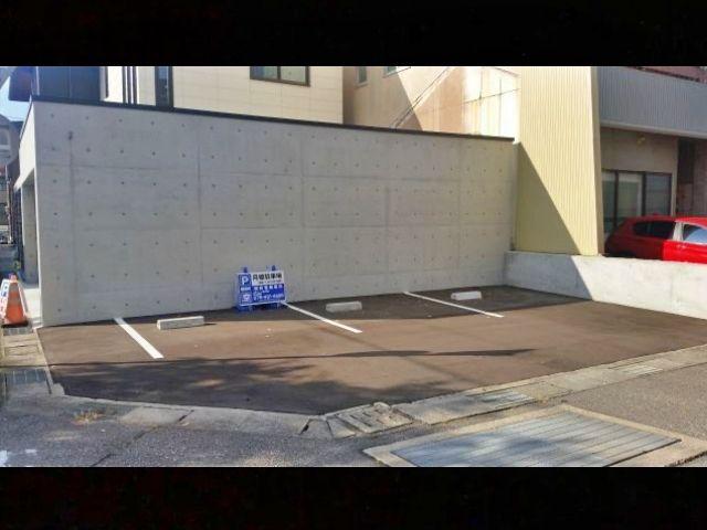 鹿島町611月極駐車場の写真