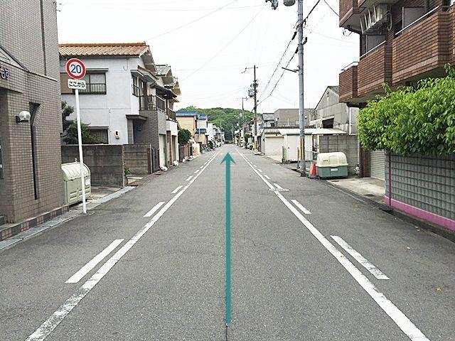 【道順2】一方通行になりますので歩行者等に気をつけて道なりにお進みください。