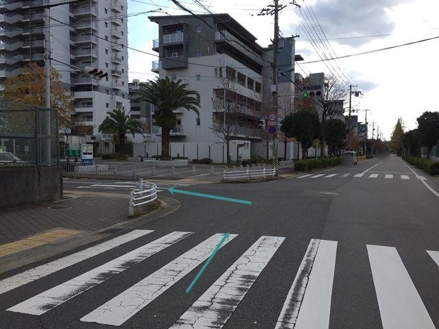 【順路1】「県道341号線」「鳴尾町4丁目」の交差点を左折し、「西宮市立浜甲子園中学校」の角を左折します。
