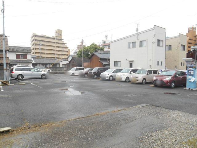 駐車場内写真2