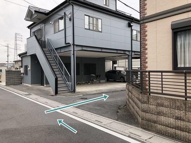 【順路2】こちらの角を右折です