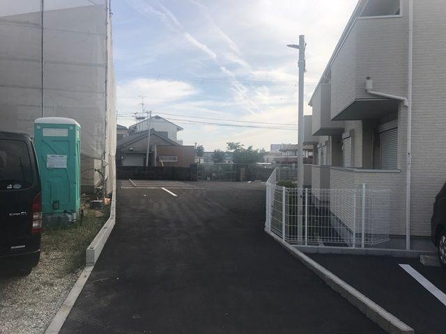 右折後、駐車場が見えてきます