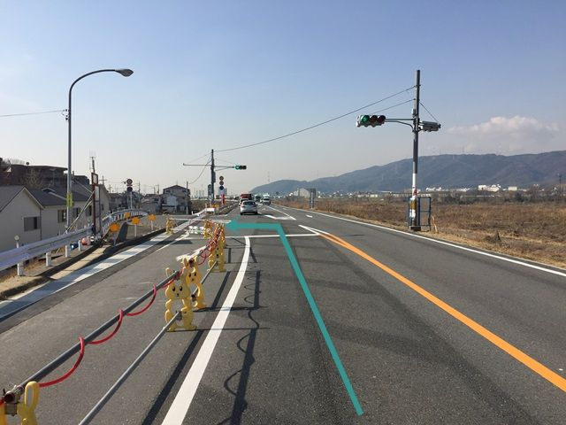 1.「木津川」沿いに「府道13号線」を「八幡市駅」方面から西に進んでください。