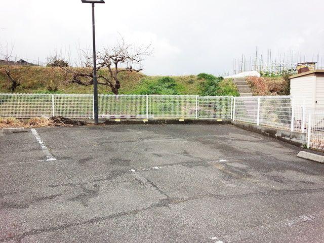 バイク専用駐車場の写真です。
