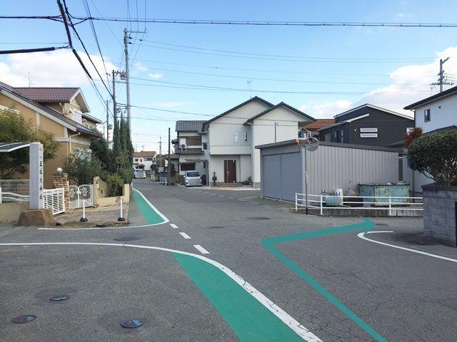 【道順1】「上の宮五社大神社」の案内と反対側の道へ進んでください。
