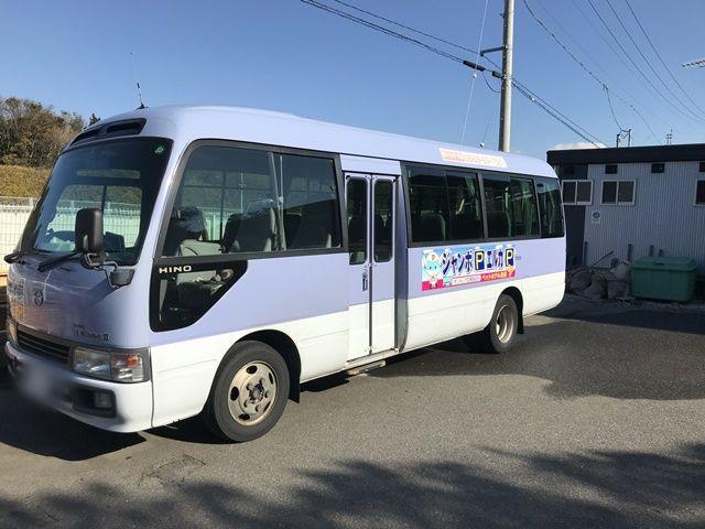 【順路4】送迎バスで各ターミナルまでお送りします。空港までの送迎車は毎日15分間隔で出発しています。