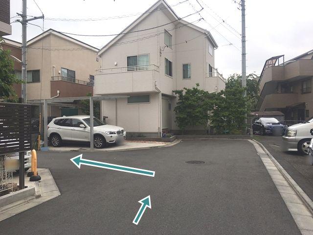 【順路5】左折後、2軒目の住宅が駐車場です
