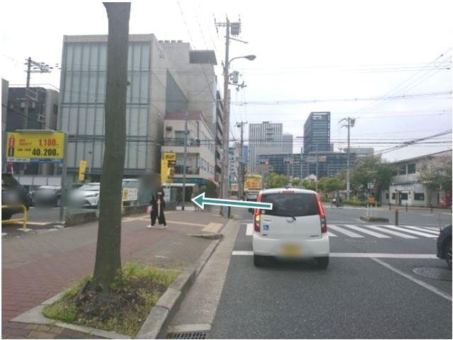 【順路2】こちらの「鴫野会館前」交差点を左折します