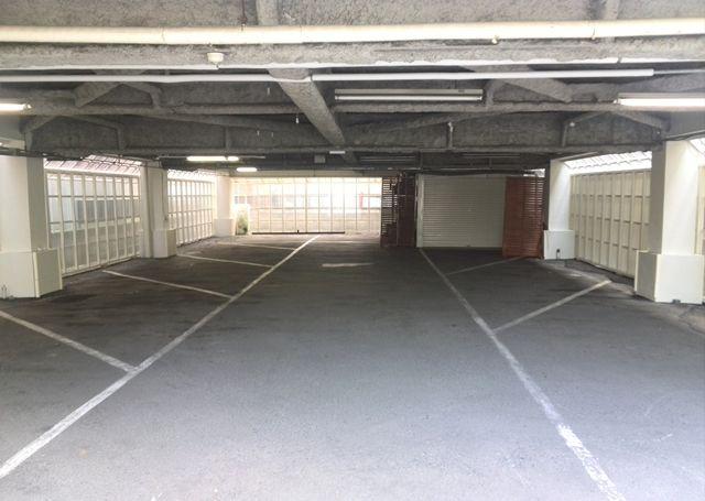 駐車場内写真