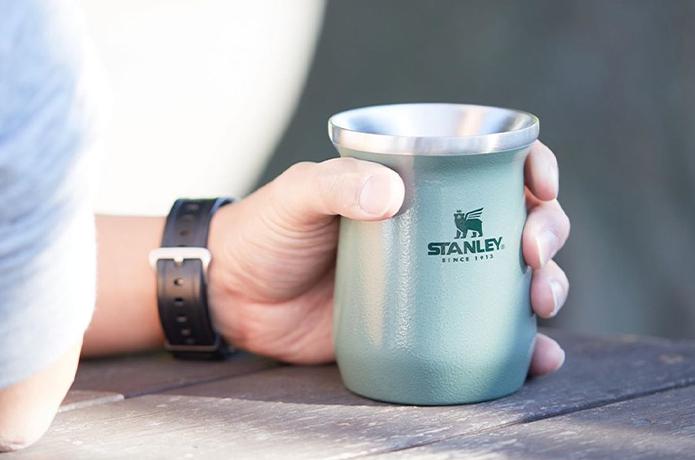 あなたはどっち派?『スタンレー』のNEW保冷保温タンブラーで夏の乾きを潤せ!