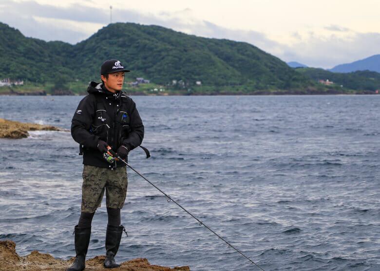 【状況別に攻略】 ロックフィッシュから大型青物まで! 豊富な魚種が魅力の地磯ライトショアジギング