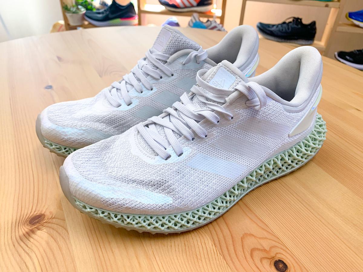 【adidas】アディダスの初心者おすすめランニングシューズ !専門家の見立ては