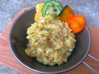 【簡単山ごはんレシピ】軽量化におすすめの「アルファ米」を使用したカレー飯をご紹介