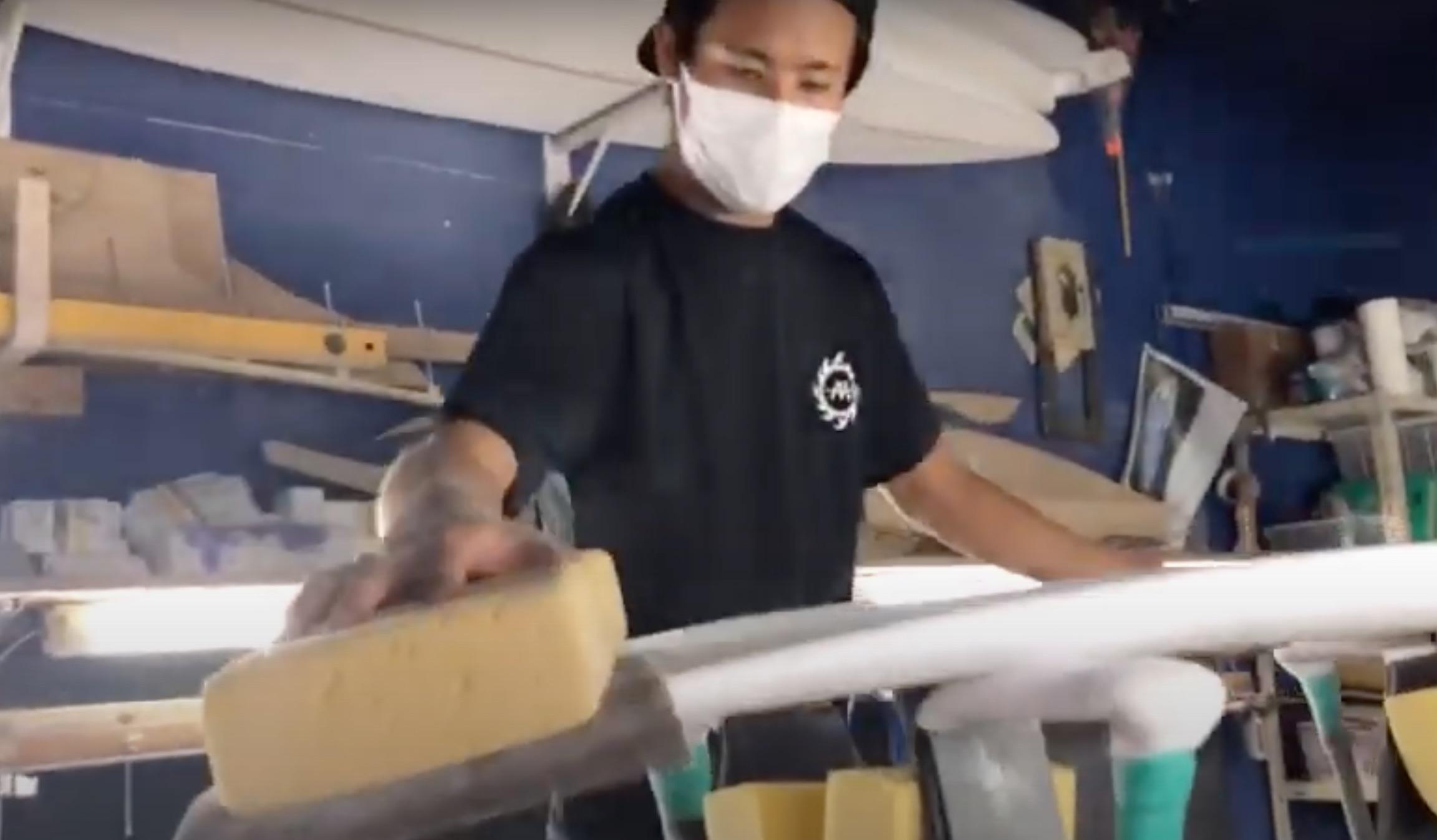 【シェイプ×サーフ】エアリバ全開メイクしまくり!! 2刀流プロサーファー西口京佑が生まれて初めてシェイプしたボードでテストライド・セッション