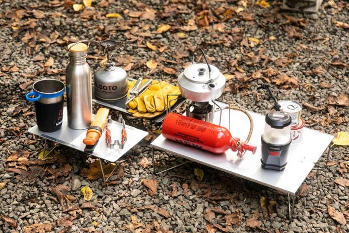 ソロキャンプにあると助かる薄くて小さな最新ミニテーブル3選