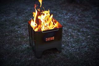 【注目リリース】焚き火シーズン目前!CHUMS(チャムス)から待望の焚き火台「Booby Face Folding Fire Pit」が登場