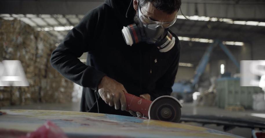 コロナウイルス感染症の廃棄物からサーフボードを作るシェイパー達の新たな挑戦