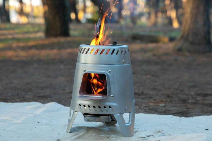 デカトロンにも焚き火台はあるぞ!ケシュア「キャンプ ウッドストーブ」はかなりの本格派