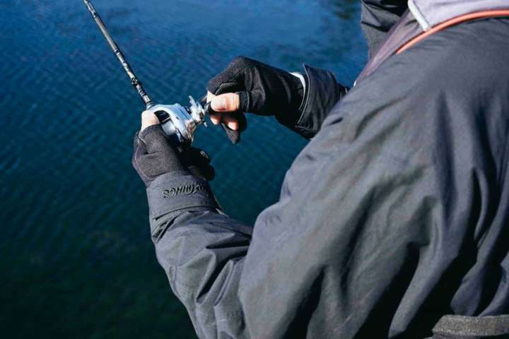 釣行向けの本格アウトドアアウターだけどデイリーユースでも着られそう!