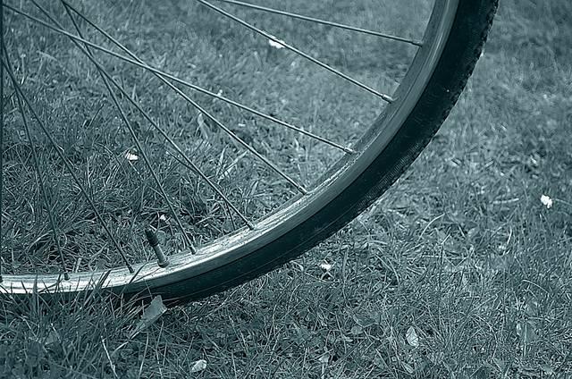 クリンチャー?チューブラー? 自転車のタイヤの種類、それぞれのメリット、デメリットとは