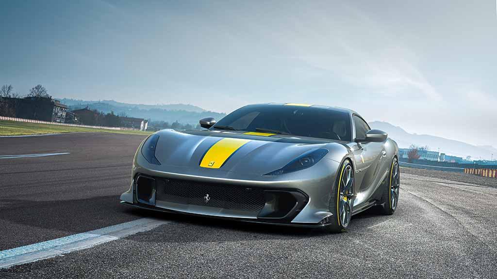 V12の極上なサウンドと吹け上がりを味わえる最後のモデル!?「フェラーリ812コンペティツィオーネ」が発表