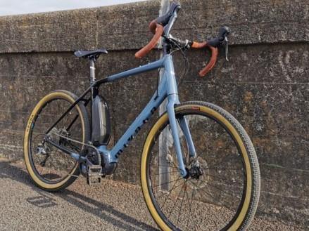ツーリングが楽しめるグラベルロードタイプのE-Bike「Miyata ROADREX6180」をインプレ