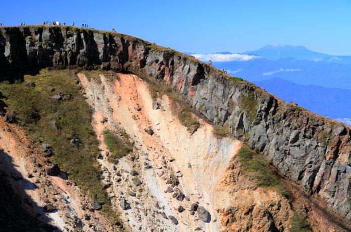 硫黄岳|迫力の火口と八ヶ岳の大展望!初心者にもおすすめ登山コース