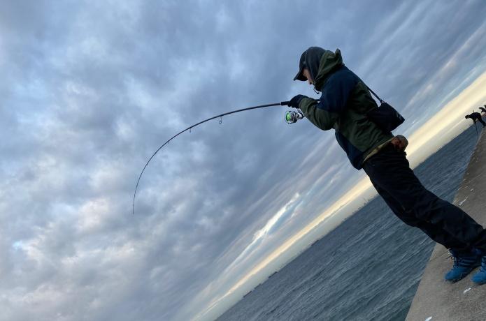 【万能竿】いろんな魚を釣れる便利な竿を元釣具屋が厳選しました!