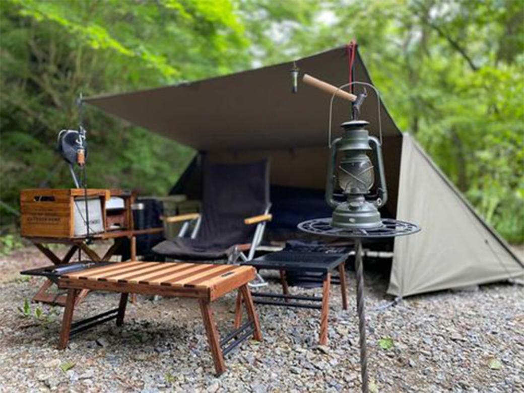 Black Design ハレテーブルでおしゃれなレイアウトに!アイアン×ウッドのキャンプサイト