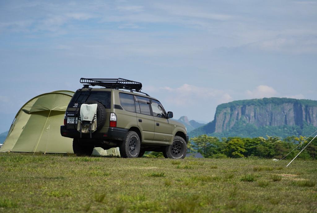 標高1200mで涼しく過ごせて開放感のある景色を楽しめる内山牧場キャンプ場