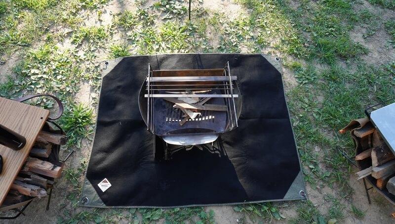 【先行レビュー】黒×カーキがオシャレな焚き火シート「MATERIUM SHEET」