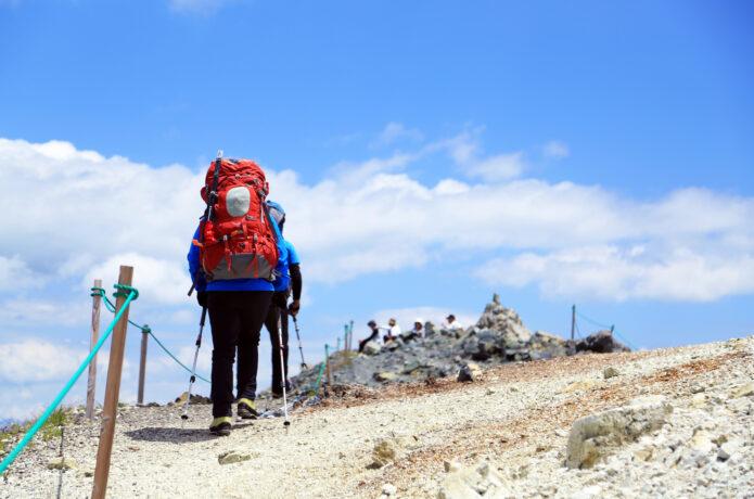 宿泊登山の大敵《翌日の筋肉痛》に負けない!疲れを残さないための過ごし方と身体のメンテナンス法