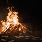 コンパクトで軽量な焚き火台のおすすめ10選【折り畳み式など】