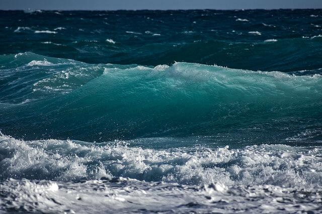 サーファーの死亡事故の原因と対策|2021年の事例も紹介