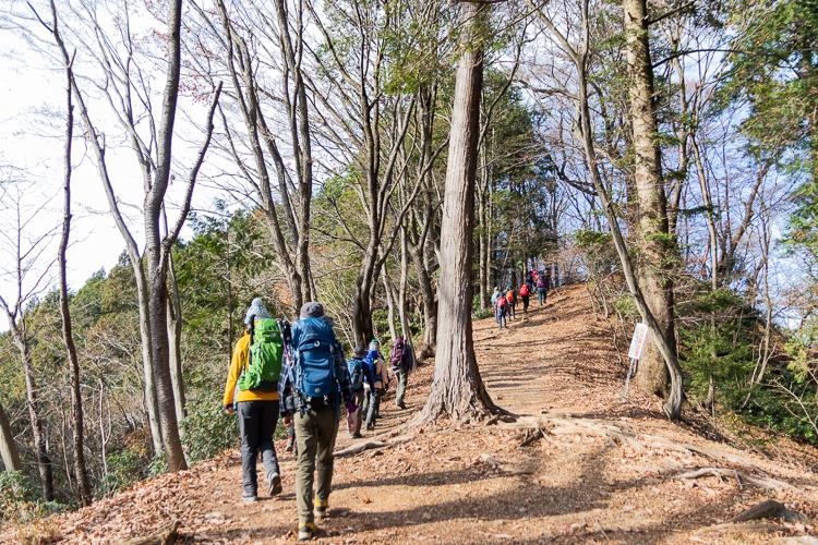 【山ガールカレッジ】初心者向け登山教室『ゆっくり楽しむ山歩き(4)<プランニング(登山計画の立て方)>高水三山』実習を12月12日(日)開催