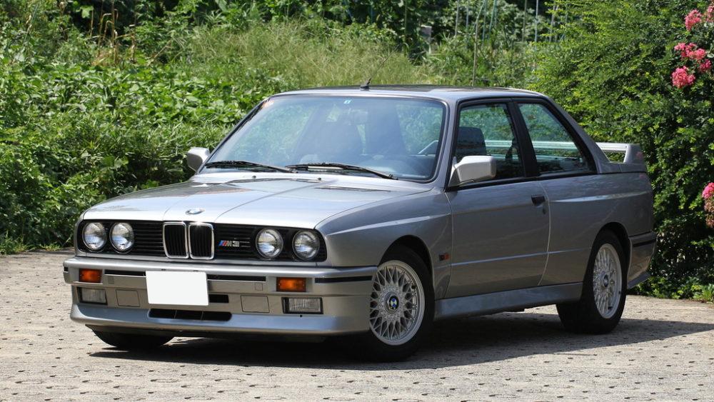 """1987 BMW M3 - グループA最速を目指した究極の""""Mパワー"""""""