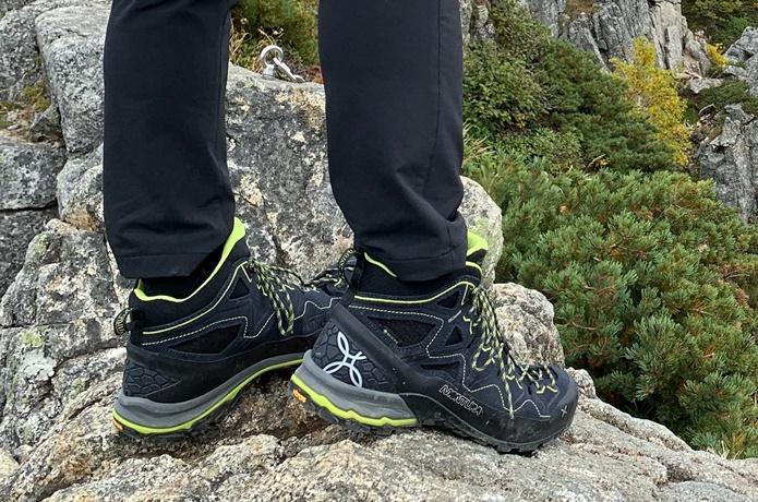 今年のアウトドア雑誌を賑やかす秀逸なアプローチシューズ!短期縦走や岩稜登山でも注目のモンチュラ「ヤルテクノ」