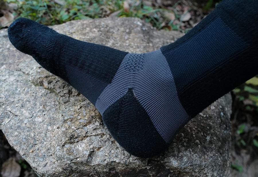 """履くだけで走りが変わるソックス登場!足の歪み改善、""""蹴る力""""も強化"""