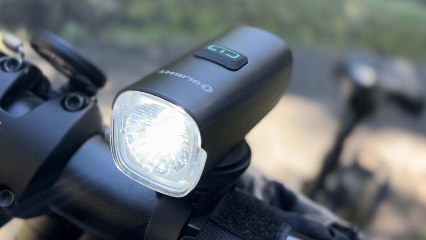 3000円以下の高性能自転車用ライト【OLIGHT RN400】をインプレッション