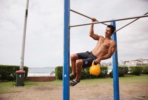 ボルダリングでの片手懸垂の必要性とトレーニング