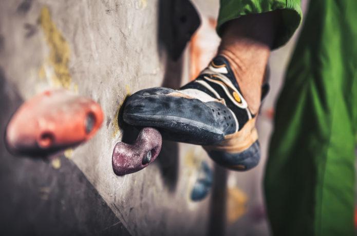 クライミング用ソックスは履くべき?街用靴下との違いやメリットは?