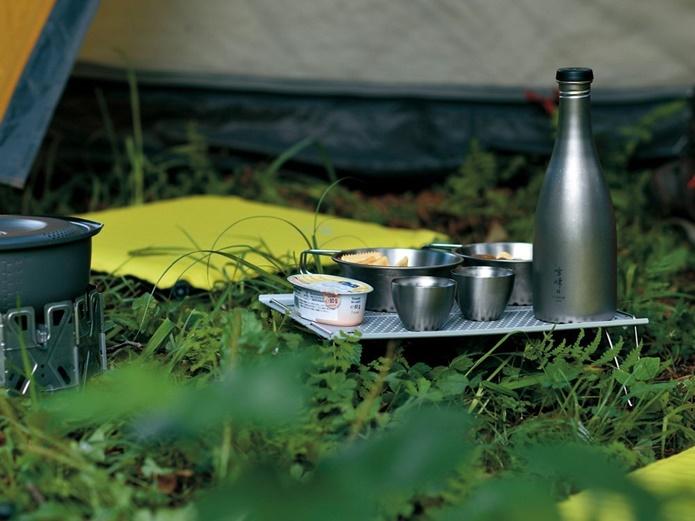 【重量500g以下】ご飯タイムを豊かに!超軽量な登山用テーブルはコレ!