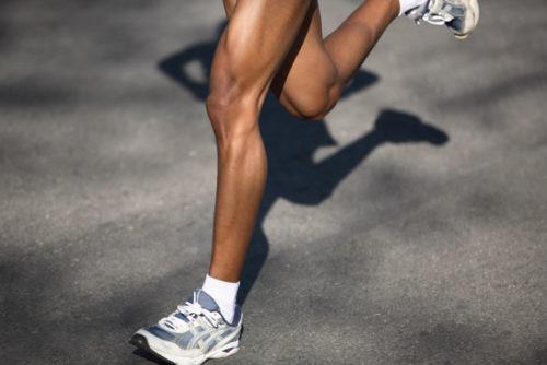 腸脛靭帯炎の痛みは膝以外にも起こりうる!股関節の痛みも