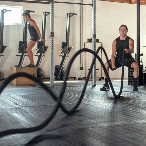 ボルダリングにも効果的!!最近はやりのトレーニングバトルロープの効果とは?